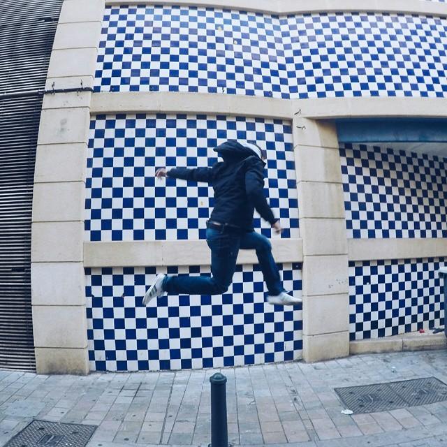 Paseo por el centro de #Valencia!  #topjumplife #freezeoftheday #lovevalencia @gopron @goprophotography_ #keepjumping #globejumpers #bboy #breakboy #levitation  #ig_captures #hypebeast #streetfashion #mensfashion #breaklife #jumpotd #publicimage #vscocam #featuremeinstagood #dancedaily #igmasters #jumpstagram #streetphotography @theglobejumpers