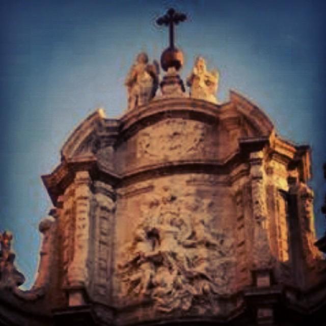 Grande la entrada a nuestra catedral de #valencia ,gran localizacion de marisa martinez #navidad #navidad #lovevalencia