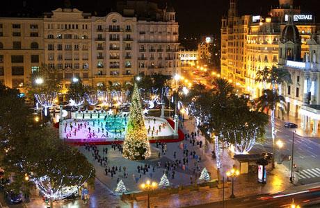 Navidad en la plaza del ayuntamiento de valencia love - Iluminacion en valencia ...