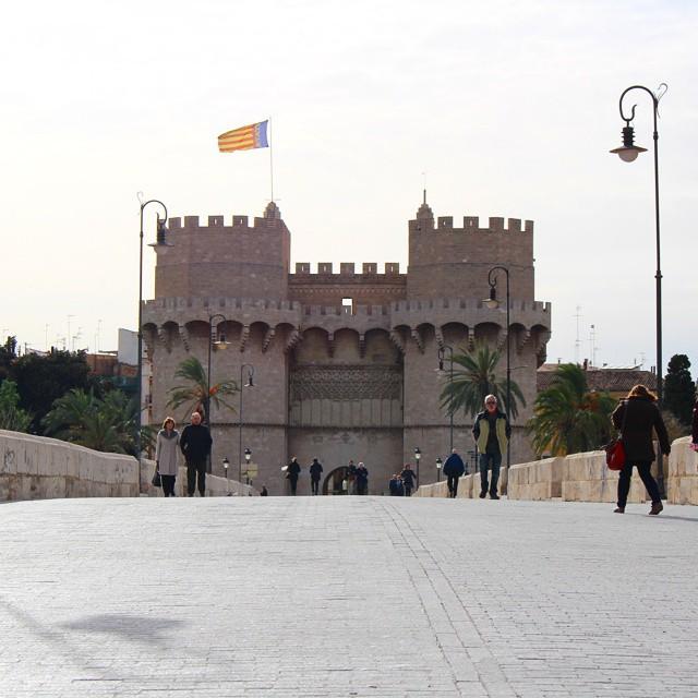 Más allá de las torres...???? 271214 #torresdeserranos #puentedeserranos #valencia #valenciaenamora #lovevalencia