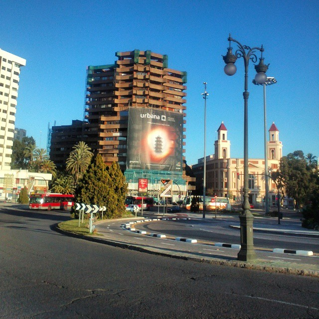 #edificio #pagoda#puente #valencia14 #puenteviveros#estaes_valencia#valenciaenamora#ontdekvalencia #igersvalencia #instagood#instgram #lovevalencia #estaes_comunidad
