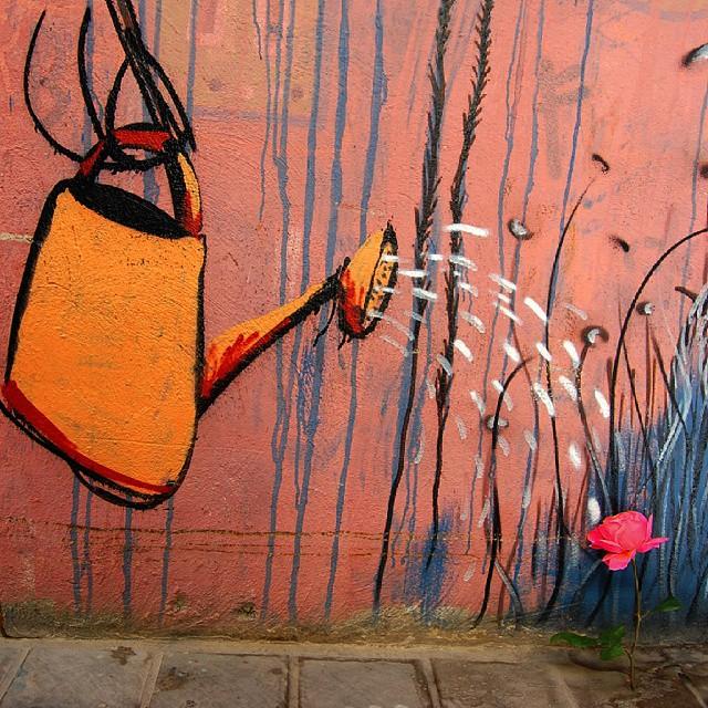 Nace... #urbanart #urban #graffiti #spray #flowerlover #flor #flowermania #flowerpower #flowerstagram #flowermagic #flowers #flower #valenciaenamora #valenciacity #valencia #lovevalencia #igersvalencia #ig_europe #photooftheday #picoftheday #instamood #like4like #inspiration #inspire #instagood #rain #europe #rose #lovely