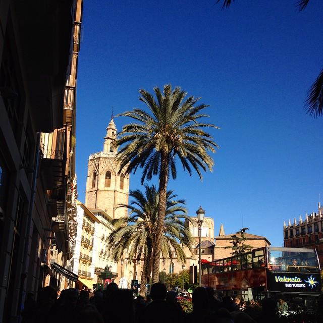 Plaza de la Reina????????????????????????????????#valencia#plazadelareina#VLC#love#loveit#spain#spagna#instagood#travel#traveling#lovetraveling#traveler#lovevalencia#lovespain#sun#sunnyday#instalike#instalover#picoftheday#nice#beautiful#torredelmiguelete#catedral#cattedrale#vacaciones#missit#takemeback#gooddays#cute#TagsForLikes