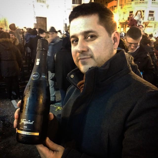 Nada de champanhe, aqui em Valência vale uma excelente cava por @yannavarro ????????