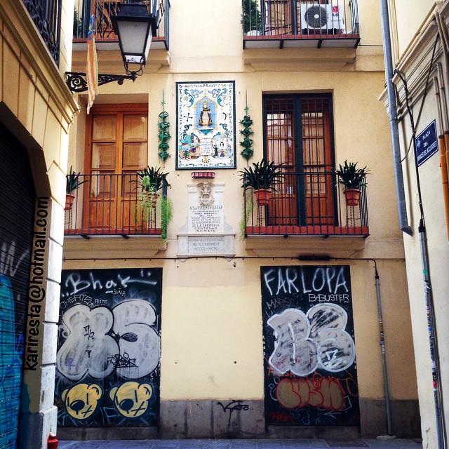 Arte urbano...#arte#urban#artecallejero #arteurbano#graffitilove #graffiti #sanvicenteferrer#valencia #lovevalencia #love#calle#streetphoto#comunidadvalenciana #cosplayer #vscam #vscam
