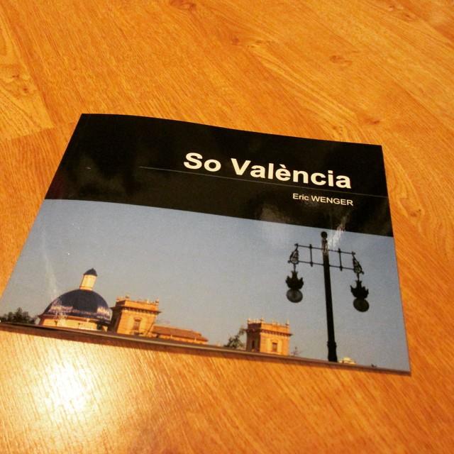 Mon carnet de photos sur Valencia est désormais disponible à la vente sur Internet. Retrouvez l'Ambiance Valence au travers de 42 pages de photos du détail du quotidien dans la capitale del Turia.  Pour acheter le livret, cliquez ici ou recopiez cette adresse dans votre navigateur web : http://lc.cx/bmY - - - - - - - - - - - - - - - - - - - - - - - - - - - - - - - - - - - - - - - - - - - -  Mi libreta de fotos sobre Valencia está ya disponible para la venta en Internet. Encuentre el Ambiente Valencia a través de 42 páginas de fotos de detalles del diario en la capital del Turia.  Para comprar la libreta, haz un clic aquí o vuelva a copiar esta dirección en su navegador Web : http://lc.cx/bmY (Entrega en el mundo entero) - - - - - - - - - - - - - - - - - - - - - - - - - - - - - - - - - - - - - - - - - - - -  #Valencia #Tourisme #Espagne #comunidadvalenciana #comunitatvalenciana #lovevalencia #decouverte #Voyage