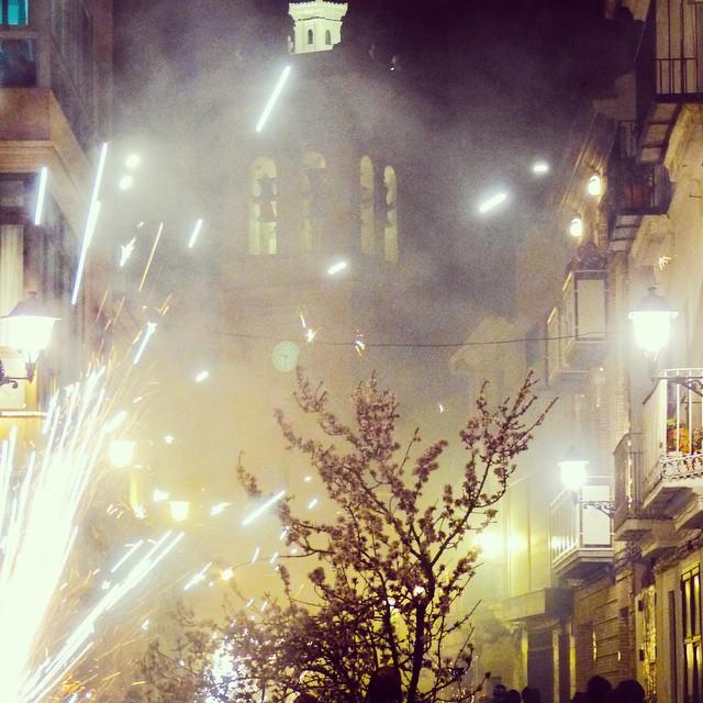 Luz, color y pólvora, fiestas ancestrales con más de 4 siglos de historia que continúan cada año. #cohete #pólvora #tradición #valencia #lovevalencia