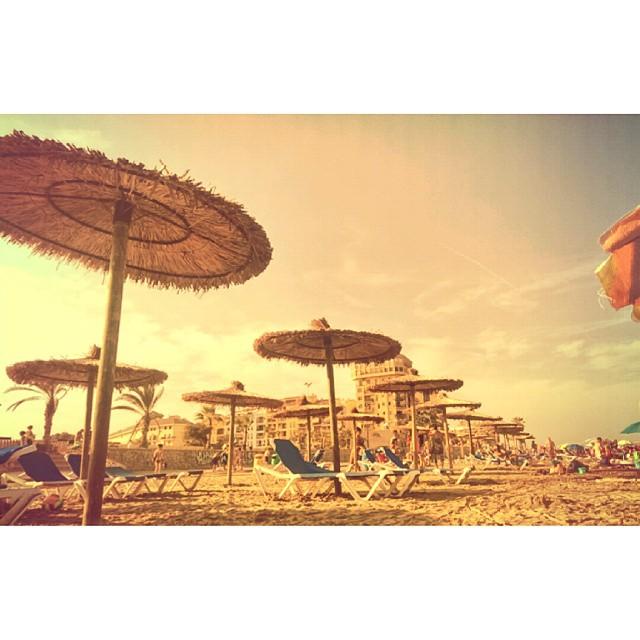 Vuelve ya!  I miss the beach!  #photooftheday #instaphoto #feliz #goodnight #goodtime #picoftheday #valencia #beach #playa #veranovuelveya #mecongelo #Saplaya #summer14 #instamood #instadaily #instamoments #lovevalencia #alboraia