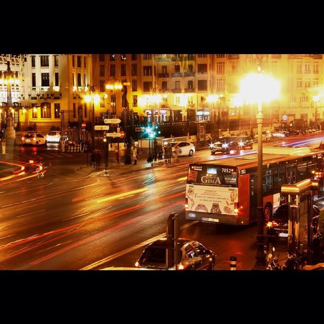 Jugando con la ciudad. #envalencia #valencia #igersvalencia #valenciaenamora #valenciagram #ig_valencia #lovevalencia