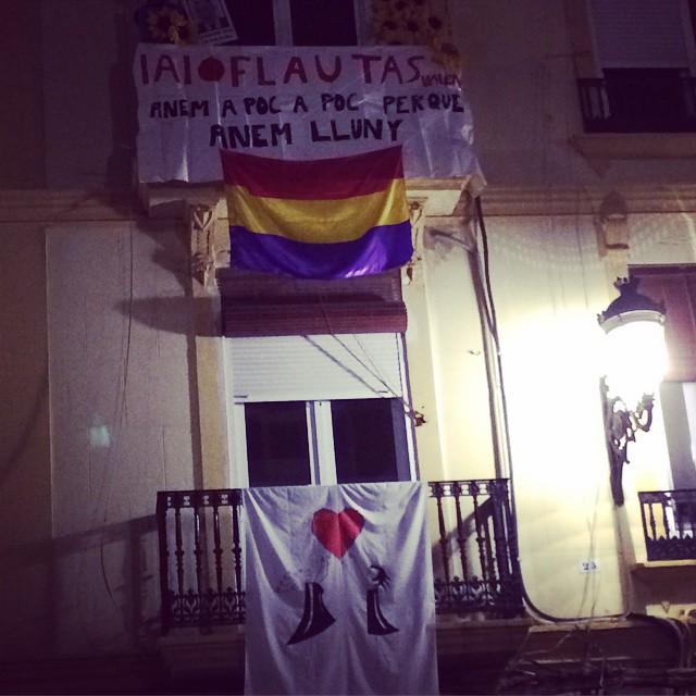 Declaraciones de amor ruzaferas: Anem poc a poc perque anem lluny #russafa #iaioflautas #lovevalencia