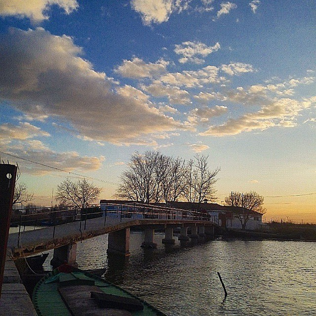 #cloudstagram #cloudy #cloudporn #clouds #cloud #atardecer #sunset #nubes #valenciaturismo #valenciaenamora #valenciacity #valencia #valenciaterraimar #valenciamola #valenciagram #ig_europe #igersvalencia #igerscomunitat #ig_spain #comunitatvalenciana #turismovalencia #estoesvalencia #albufera #lovevalencia #naturestagram #naturaleza_comunidadvalenciana