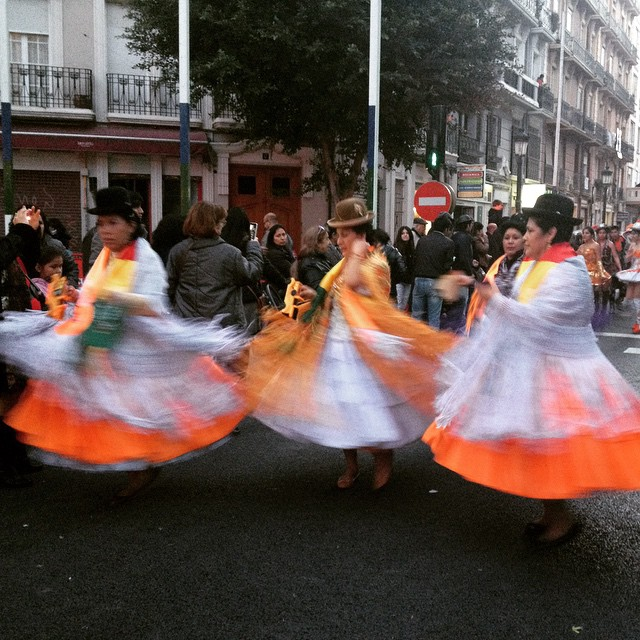 All the spinning ladies ???? #carnaval #carnavalrussafa #elcaloretdelcarnaval #russafa #ruzafa #valencia #lovevalencia