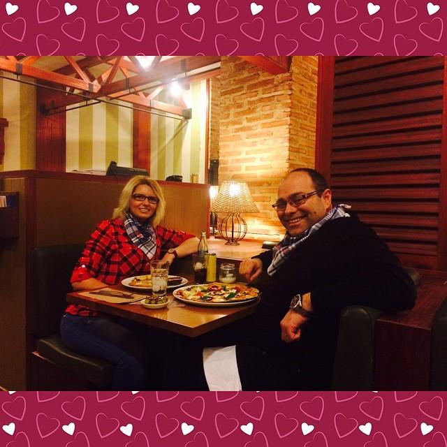 #ginosristorante #comiendo #rico #dieta #pizza #italia #formaggi #ginos #disfruta #photoofday #photographer #falla #fallas #falles #fallas2015 ##fallasvalencia #fallasvalencia2015 #valencia  #lovevalencia  #photographer #photo #instapho #ideal @antgalan