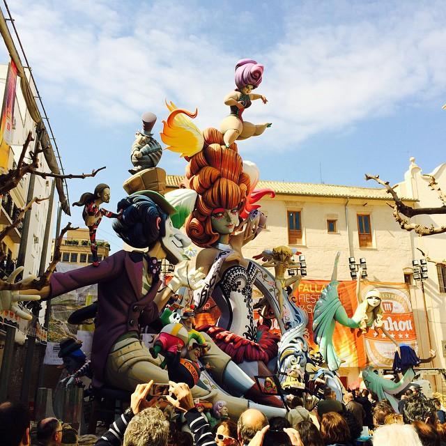 #Falla del Pilar #falles #fallas2015 #arte  #valencia #fallas2015 #fallasvalencia #lamillorfestadelmon #valencia  #españa  #photo #photoofday #photographer #instaphoto #especial #vistas #gente #turismo #lovevalencia