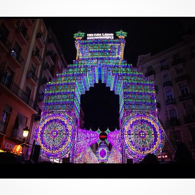 Les llums falla Cuba lazarin????#callecuba #Valenciaenfallas #Valencia #lovevalencia #happy #llums