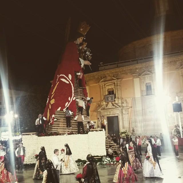 La Ofrenda de Valencia ... #Fallas #Fallas2015 #Valencia #Ofrenda #Ofrena #LoveValencia #Love_Valencia #ValenciaEnFallas #igersValencia #igersComunitat #Valenciagram