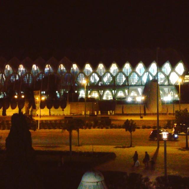 Ya pueden apagar la luz, con lo que han malgastado aquí #lahoradelplaneta #Valencia #LoveValencia #Apagón