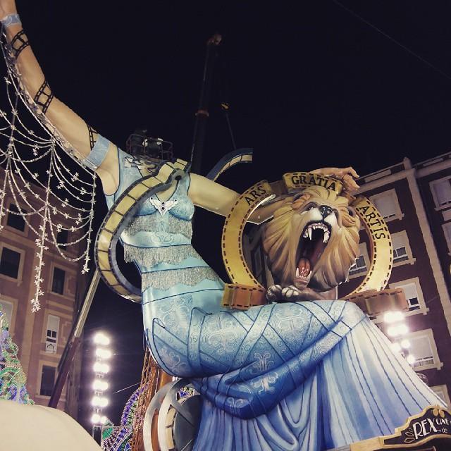Camaras y acción ???? #fallas2015 #fallas #falles #valenciaenfalles #valencia #valenciacity #spain #españa #arte #art #artecallejero #amazing #colour #monument #party #instaparty #instamood #tradition #wonderfull #plantà15 #love #lovevalencia #ruzafatime #ruzafa