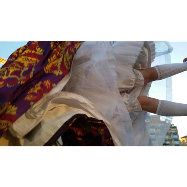 La fallera voladora jejeje #fallera#fallas2015#fallas#valenciaenamora#valenciaenfallas#tagsforlike#instalike#instagramers#picoftheday#nofilters#nofiltros#followme#estaes_valencia#valenciamola#loves_valencia#lovevalencia#lacrida#colors#igers_spain#spain#igersvalencia#
