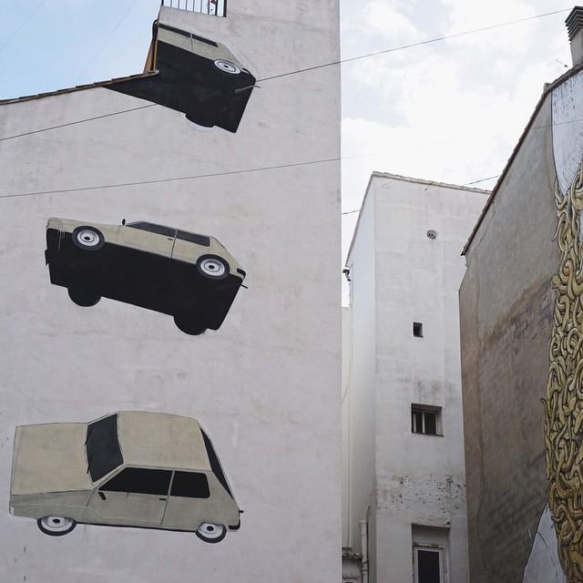 Interesting wall art. Luvvv it!  #wallart #art #painting #wall #creativity #valencia #elcarmen #cityart #lovevalencia #love #freedom #españa #europe #liveauthentic #livefolk #kinfolkmagazine #vscocam #vscogrid #vsco #happy