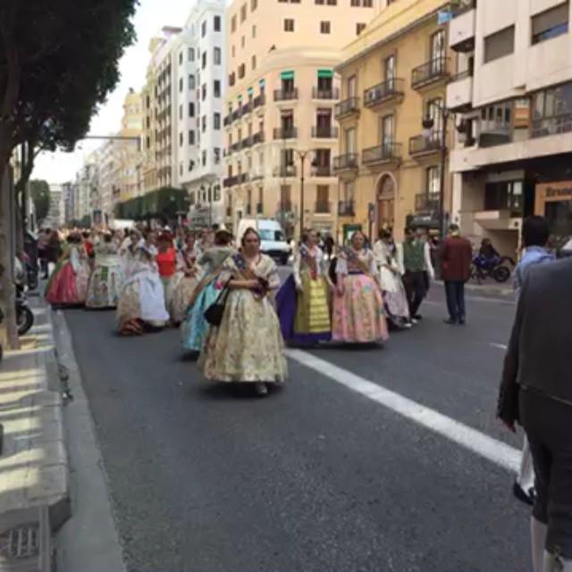 Fallas de Valencia 2015 #pasacalles para recoger premios de las #fallas #lovevalencia #valencia #fiestas