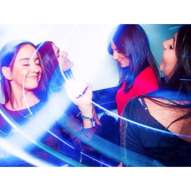 Ellas ?? #friends #love #loveValencia #valenciaCity #valencia #VSCOcam #nights #instapic #instagramers #picoftheday #photooftheday #ig_valencia