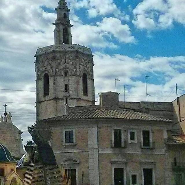 Todo preparado para la Ofrenda a nuestra Virgen de los Desamparados! #lovevalencia#loves_spain#loves_valencia#lv_fallas2015#instavalencia#insta_international#valenciaenamora#valenciagram