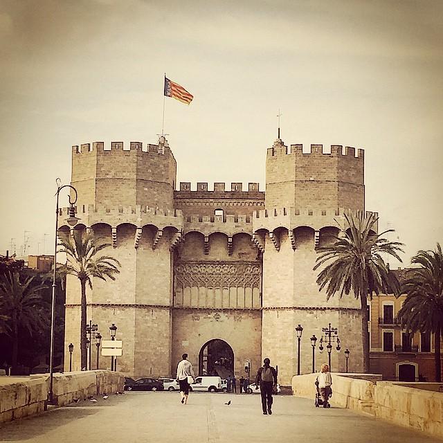 Nuestras Torres de Serrano!!!???? #lovevalencia #loves_valencia #valencia #Valenfornia #valenciagram #valenciaenamora #valenciagrafias #igersvalencia#guiadevalencia #agean_fotografia