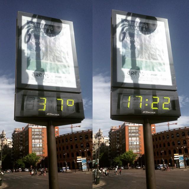 Esto es lo que marcaba el termómetro en el centro de #Valencia #mycity #miciudad #weather #calor #mayo #may #hot #travel #tourism #igersvalencia #follow #spring #hotspring #lovevalencia #caloret