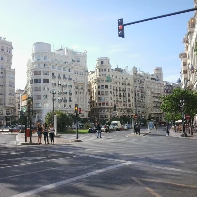 Un dia cualquiera en pleno corazón de la ciudad. A day in the heart of the city. #momenst#dayday#instavalencia#lovevalencia#valenciaenamora#valenciagram#cityvalencia#igersvalencia#