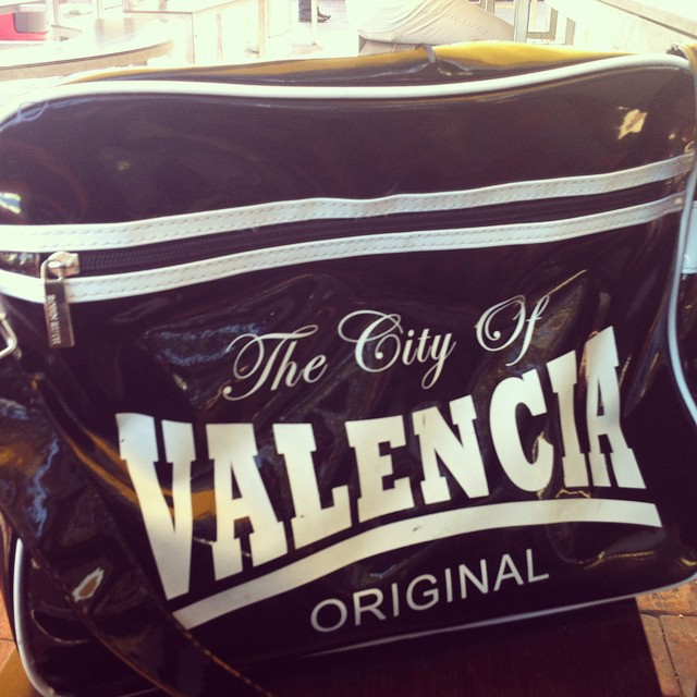 Love my purse ??M'encanta el meu bolso!!!! #valencia #lovemytown #lovevalencia #depoble #valenciana #socfeliç #behappy