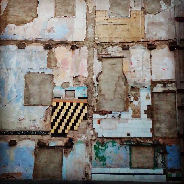 Pattern ideas #loveValencia #valencia  #pattern #building #ruin #hollyblackman #wall #insperation www.hollyblackman.co.uk
