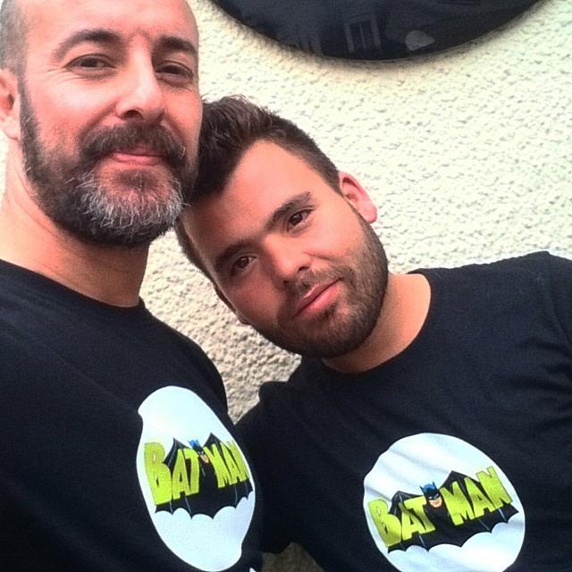 #comic #comiccafe #batman #batmanandrobin #ruzafa #russafa #vlc #valencia #valenciagram #lovevalencia #carles #adrian #comicruzafa #callesueca #happy #beards #gaybeard #gay #boy #man #men