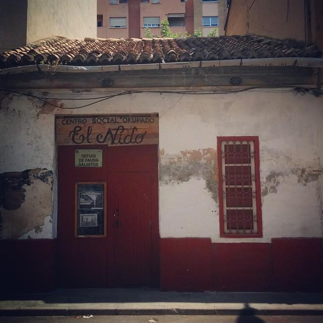 Esos rinconcitos que pasan desapercibidos a los ojos de la vida cotidiana.  #benimaclet  #valencia  #lomejordebenimaclet  #akupa ##lovevalencia #instagood #follow #photooftheday #tbt #followme #beautiful #happy #picoftheday #instadaily #swag #amazing #instalike #bestoftheday #smile #like4like