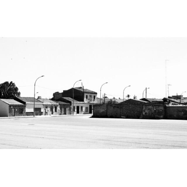 #instasize #mivalencia #miespana #espana #spain2015 #spain2015trip #nikonfm #filmphotography #filmcamera #lovevalencia #valencia #valenciagram #bnw #blackandwhite #blackandwhitephotography #streets #valenciastreets
