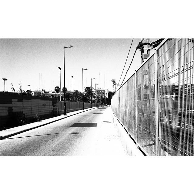 #instasize #mivalencia #mood #miespana #espana #spain2015 #spain2015trip #lovevalencia #nikonfm #filmcamera #foreveryoung #fuckitweareyoung #bnw #blackandwhite #blackandwhitephotography #valencia #valenciagram #valenciastreets #streets