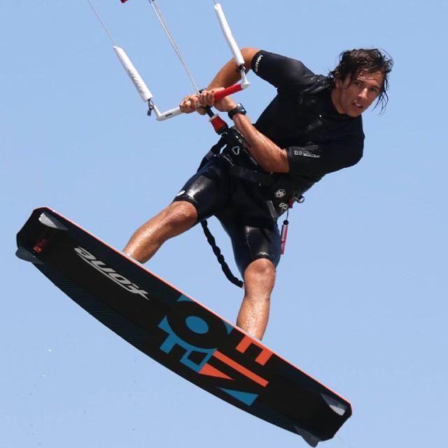 Vamos al lio. Viento!  #kitepower #liveTheSea #kitevalencia #kitesurfing #kiteboarding #kite #kitesurf #kiteschool #valencia #mareny #elperello #lovevalencia #modoverano #sanjuan #verano2015 #playa #fonekites