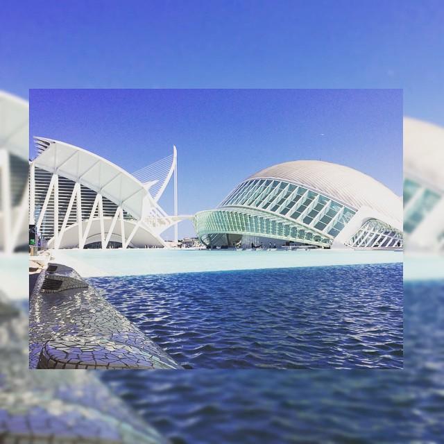 ???????????????? #buildings #ciudaddelasartesylasciencias #ciutatdelesartsilesciencies #sunsetlover #igersespaña #paisaje #arquitectura #atardecer #valenciagram #sunsets #landscapecaptures #españa #lovevalencia