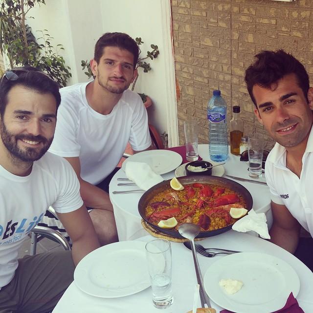 Nada como una buena #paella de #bogavante con #amigos cerca de la #playita con @diego_trainer #Valencia #goodlife #lovevalencia #gooddays