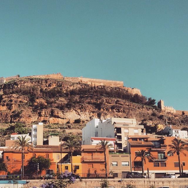 Mañanas aparcando junto al #Castillo de #Sagunto