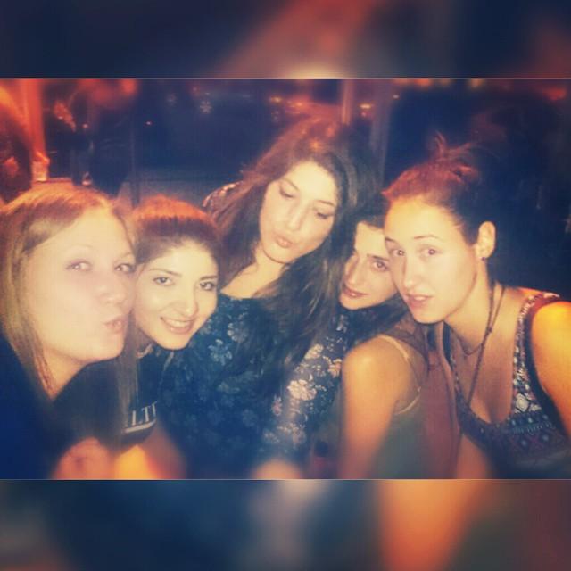 Recordando juernes noche ????????????????????????????????????????????????????????? #juevesuniversitarios#lovevalencia#juernes#lavidauniversitaria#lavidamejor#cedrotime#yanoesloqueera#peronosvale#karaoketime#tabuco#siempre#buenacena#perdedoradeapuestas#esasoyyo#deliadasvarias#cumplemarta ????????