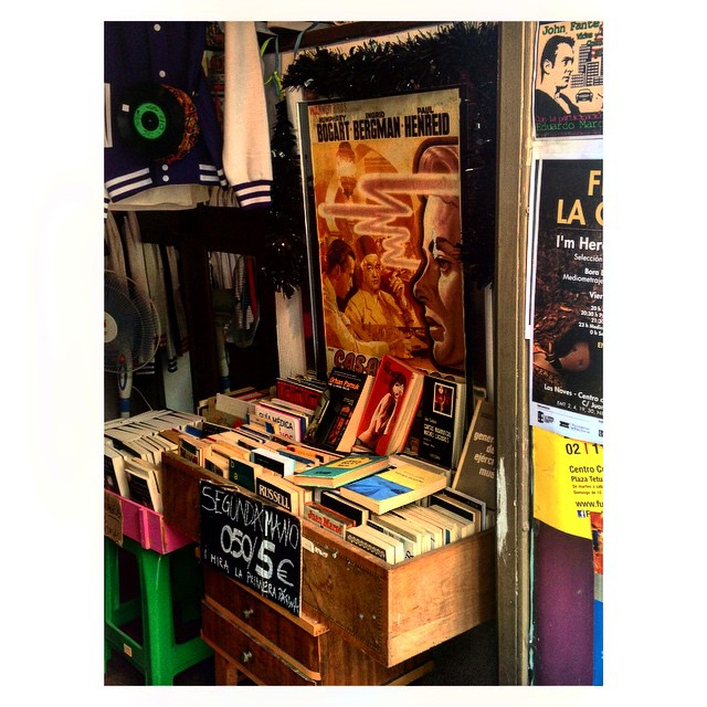 #InstaSize #street #walking #Valencia #loveValencia #city #store #Spain #book #books #music #vintage #film #movies #tagsforlikes #like #likes4likes #likesforlikes #l4l