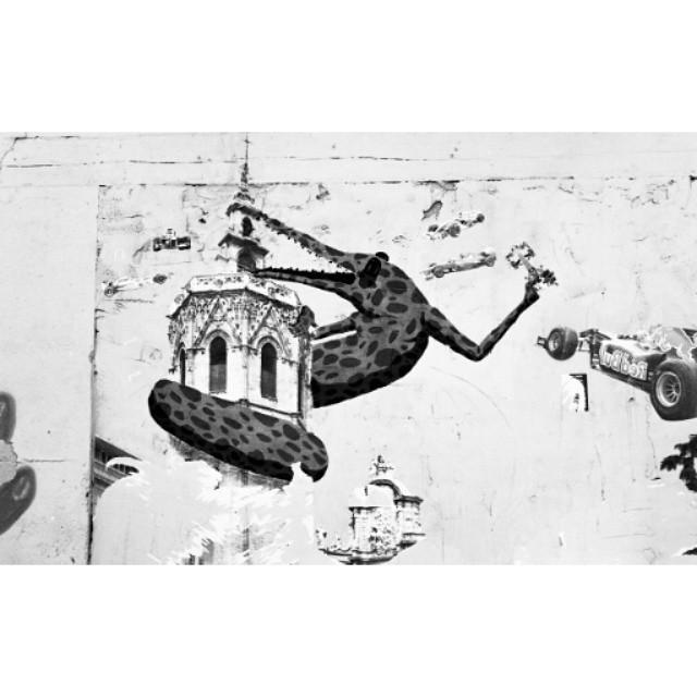 #instasize #mivalencia #miespana #valencia #valenciagram #valenciastreets #valenciastreetart #streetart #lovevalencia #espana #spain2015 #spain2015trip #bnw #blackandwhite #blackandwhitephotography #streetartblackandwhite #nikonfm #filmcamera #filmphotography