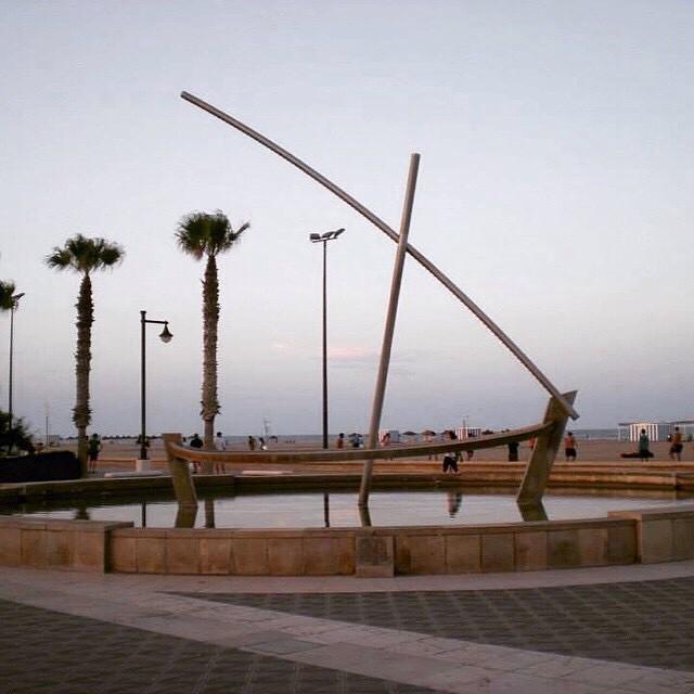 Two summer ago... ?????????? Valencia's beach ???????? #spagna#valencia#holiday#friends#lovetravel#ig_spain_#igworldclub#plane#fly#picoftheday#ok_spain#iGersSpain#somosinstagramers#HDR_EUROPE#LOVES_BESTPIC#lovevalencia#wonderful_places#españa#EspañaInstagram#ontdekvalencia#beach#spiaggia#sea#mare#palms#palme#paradise#architecture
