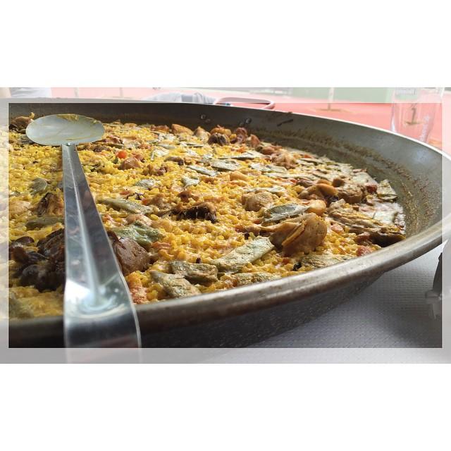 El arte de lo valenciano... #paellavalenciana #chef #eat #lovevalencia #regnevalencia