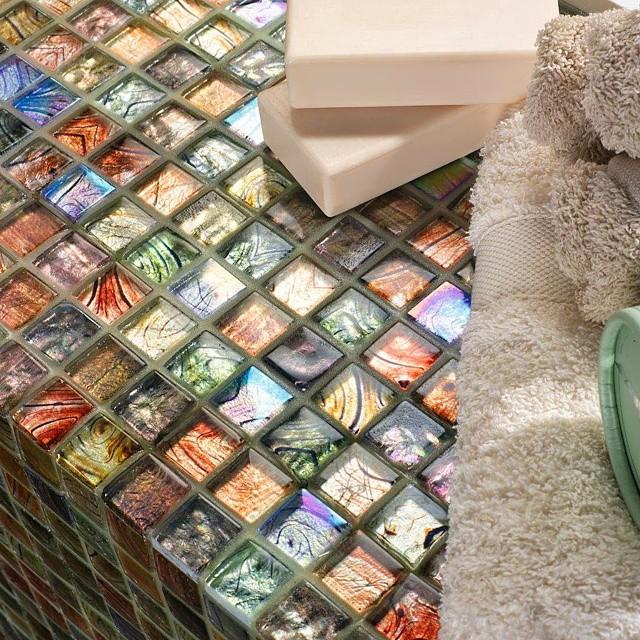 Detalles que seducen.. El buen gusto en  #Decoración #Cerámica. Pasión por el #estilo. #baño #bathrom #color #madeinspain #Decorhabitat #envalencia #madeinspain #azulejos #revestimentos #baldosas #ilovetiles #lovevalencia #valenciaenamora #valencia2015 #valenciagram #habitat #home #megusta #siguenos #followme #Azulejeando #Buenasnoches