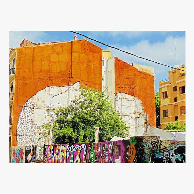 #valenciaenamora #Valencia #graffiti #igersvalencia #lovevalencia #love #follow #like #megusta #sigueme #vscocam