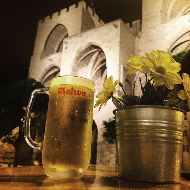 Con esta vista cada cerveza sabe mejor?? #torresserranos #lovevalencia #valencia #españa #spainisallyouneed #spanishlife #spain #verano #cerveza #relax @loves_valencia @ontdekvalencia