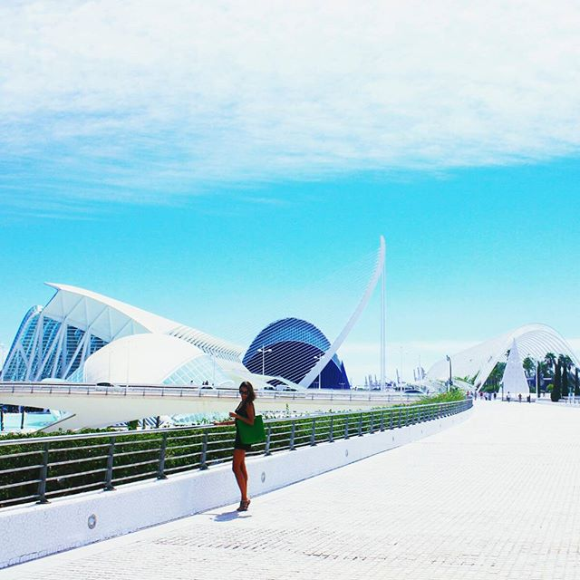 Somewhere between ??????? and ?????? _______ #anotherday #anothercity #today we got to visit #sunny #Valencia ? #amaizing #Spain ?? #cruise #vacation ? #lovetravel #loveValencia ?