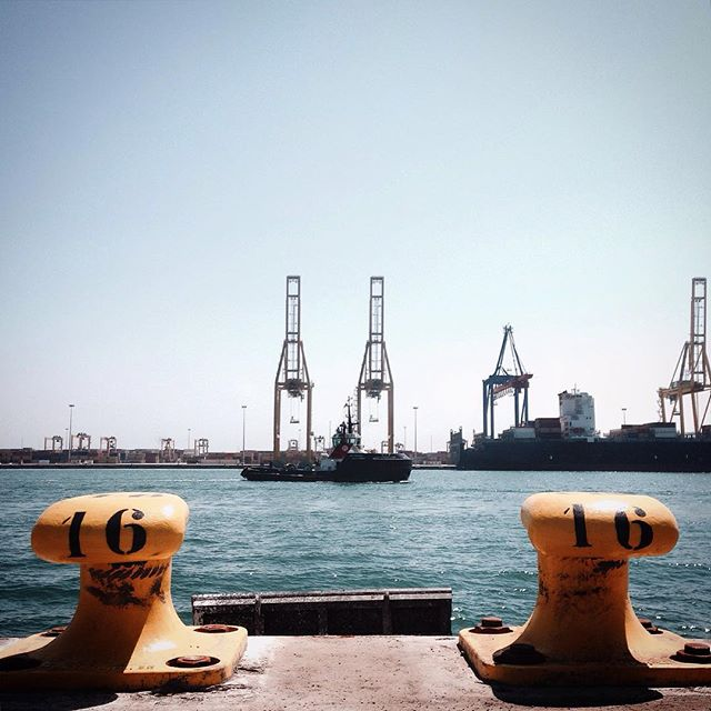 #Memories of a #Work!! #Series #Valencia's #Port!! #Docker #Transtainer #Container #PortOfValencia #Stevedore #Crane #containerporn #CranePorn #SeaPorn #PicOfTheDay #Sea #EditByMe #MyBeautifulWork #IphonePicture #LifeOfAPhotographer #Buque #Dockers #TCV #LookingUpAtCranes #Noray #PuertoDeValencia #Sea #Mediterranean #LoveValencia #Valenciagram #valenciagrafias